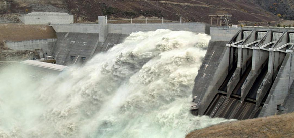 Breaking Dams