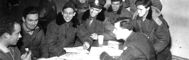 487th Bomb Group Debreifing