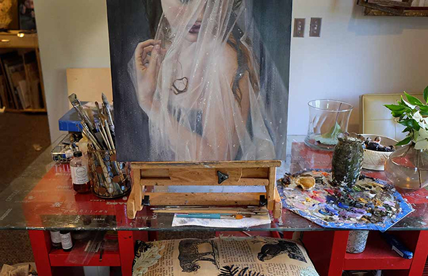 "Kari-Lise Alexander's ""The Bathing Silver Swan"" in the studio"