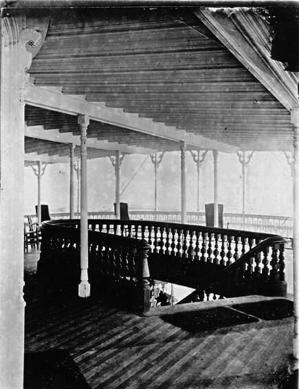 Balcony on the Str. Jim White