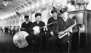 Orchestra onboard the Str. Tom Greene