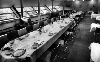Dining room of the LZ 129 Hidenburg.