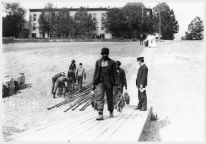 Loading and Unloading the Str. Queen City, 1906