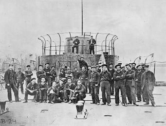 Crew of the monitor USS Lehigh