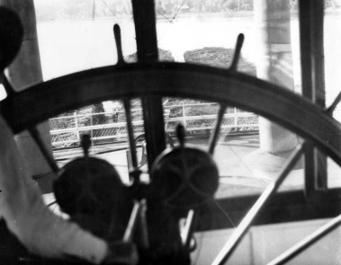 View from behind the wheel of the Str. General Allen