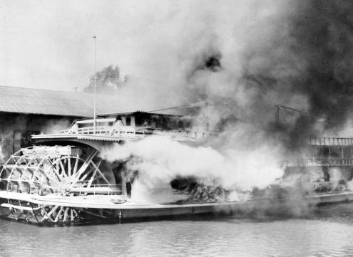 Str. Captain Weber burns, 1943