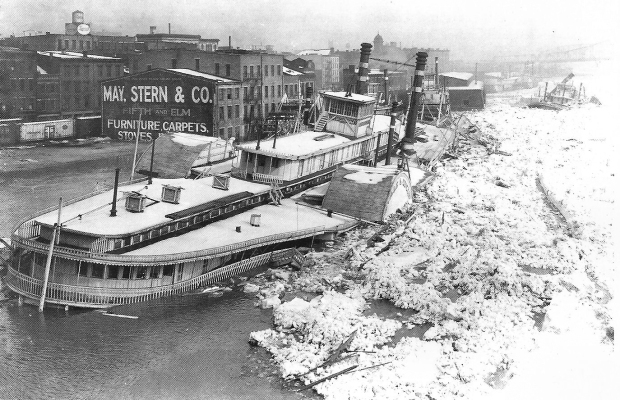 Str. City of Cincinnati - winter flood wreck, 1918