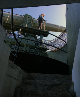 Looking up at one of Fort Casey's disappearing guns.