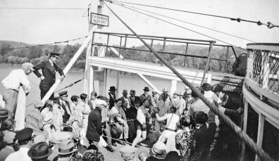 Exhibition prize fight on the captain's bridge of the Str. Cincinnati