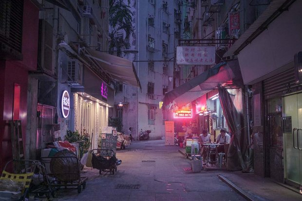 Marilyn Mugot – Back street